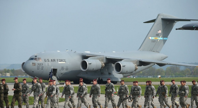 Пентагонът обяви в петък, че Съединените щати ще изпратят допълнителни