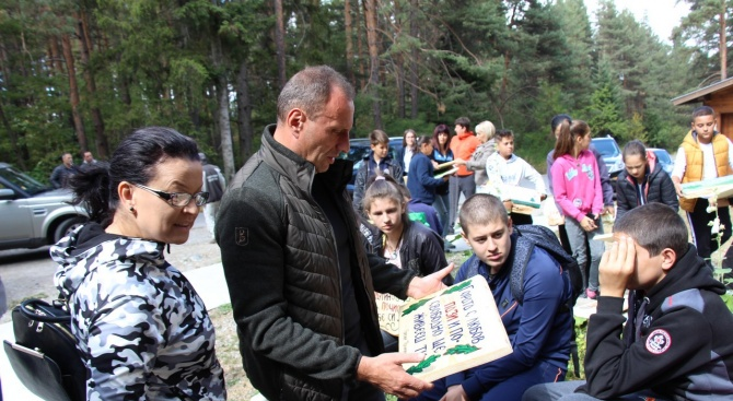 Децата от училищата в Банско и Добринище се включиха масово