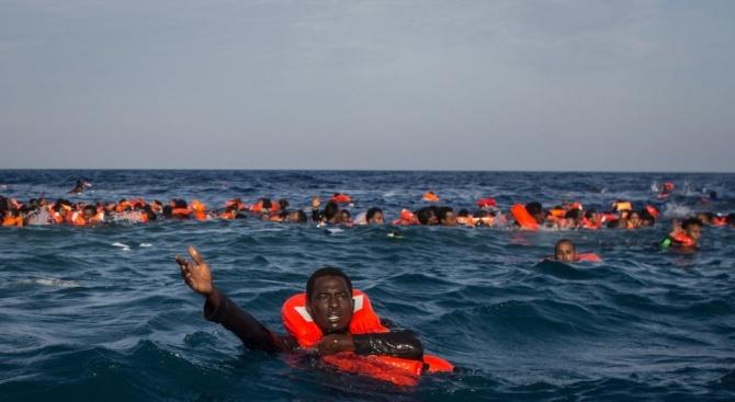 Албанското министерство на отбраната съобщи, че един от корабите му