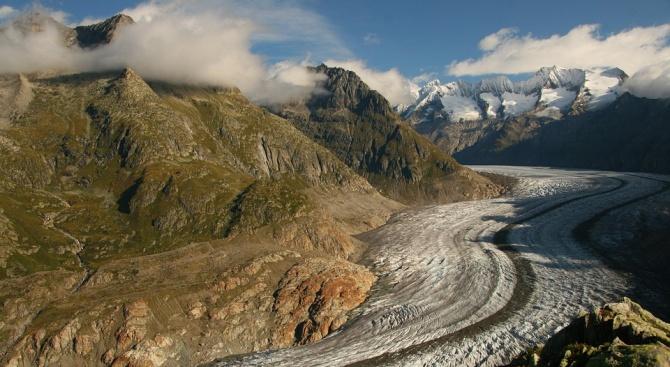 Топи се най-големият ледник в Алпите