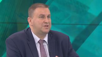 Емил Радев: България е един от отличниците в борбата с прането на пари