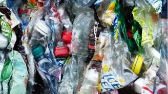 В телата на децата има остатъци от пластмаса, според доклад
