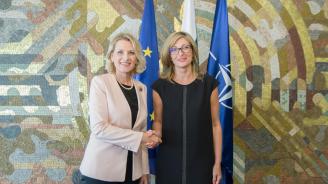 Екатерина Захариева потвърди подкрепата за европейското бъдеще на Албания