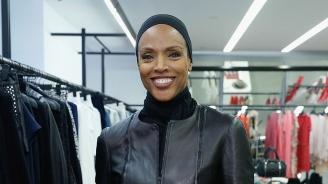 Коко Мичъл се завърна на модния подиум