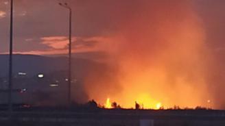 Пожарът до летище София е овладян, горят отделни огнища