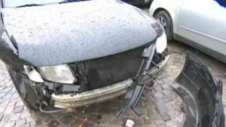 Градски автобус помете петавтомобила в София