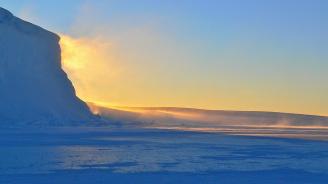 Проф. Пимпирев изследва UV лъчите на Антарктида