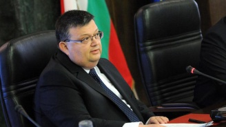 Цацаров за освобождаването на Полфрийман: Ако кажа нещо, то ще е крещящо неуважение към съдебния състав