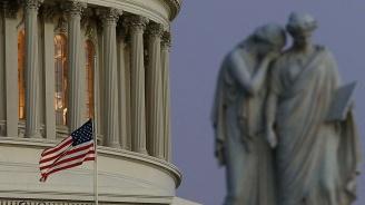САЩ изключиха временно 437 китайски продукти от новите митнически тарифи