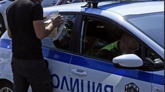 Хванаха шофьор без книжка, на наркотици и с кола с регистрационни табели на друго МПС
