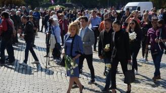 Манолова: Силни сме, когато сме независими