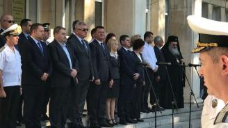 Евродепутатът Емил Радев и общински съветници от ГЕРБ почетоха във Варна Деня на независимостта