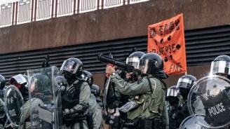 Полицията в Хонконг използва гумени куршуми срещу протестиращи в квартала Шатин