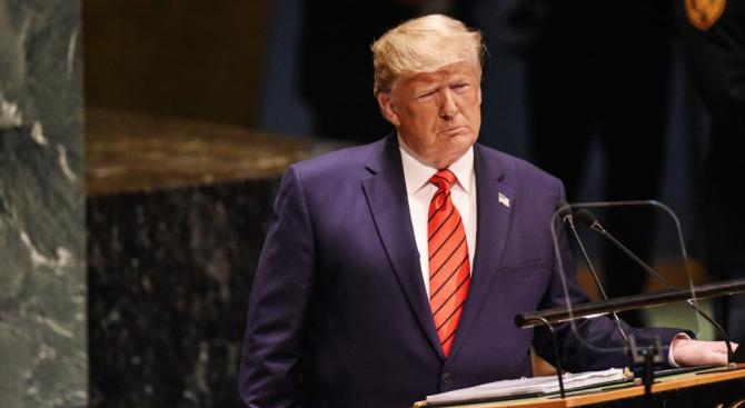 Президентът на САЩ Доналд Тръмп определи като смешни приказките за