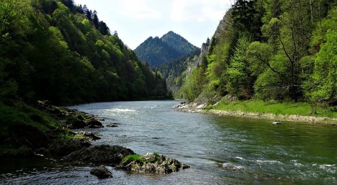 Намалява транспортът на стоки по река Дунав през последните години