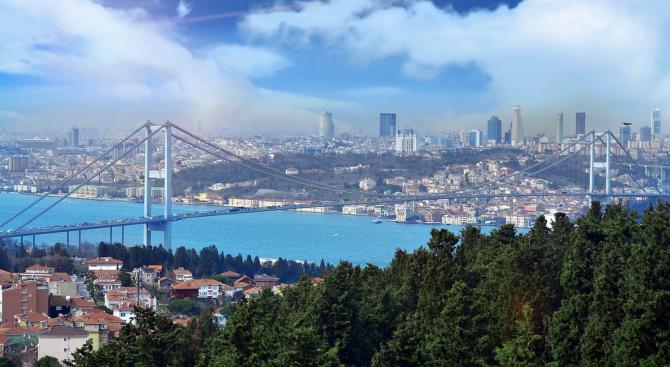МВнР: Няма пострадали български граждани при силното земетресение в Истанбул