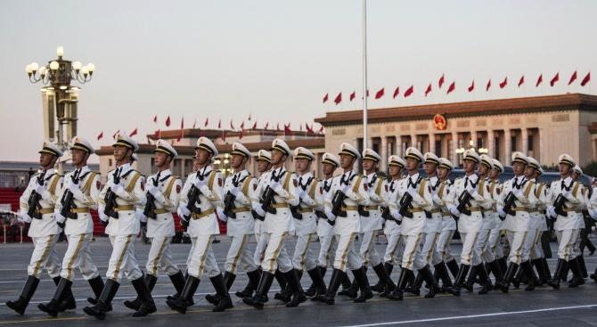Китай ще празнува юбилей при силни насрещни ветрове