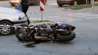 Поредни две жертви на пътя: Катастрофа с мотор край Разград