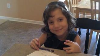 Родители узнаха, че 12-годишната им осиновена дъщеря всъщност е на 22 години и е искала да ги убие