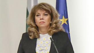 Илияна Йотова: Ако някой смята, че сериозната мигрантска вълна е преминала, гледа наивно на нещата