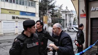 Двама загинали и над 40 ранени след земетресението в Истанбул