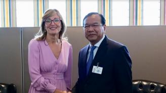 Екатерина Захариева се срещна с вицепремиера на Камбоджа ген. Прак Сохон