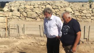 Министър Банов: Политика на правителството е да инвестира в културното наследство