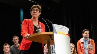 Германският министър на отбраната: Няма разрив между мен и Ангела Меркел