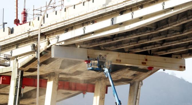 Малко повече от година след рухването на моста Моранди в