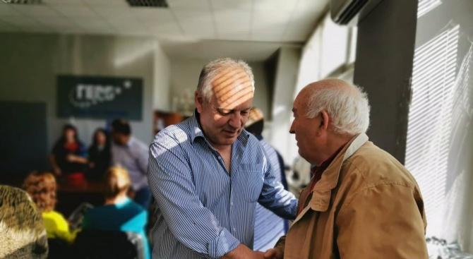 Представители на пенсионерските клубове в Смолян покани на среща кандидатът
