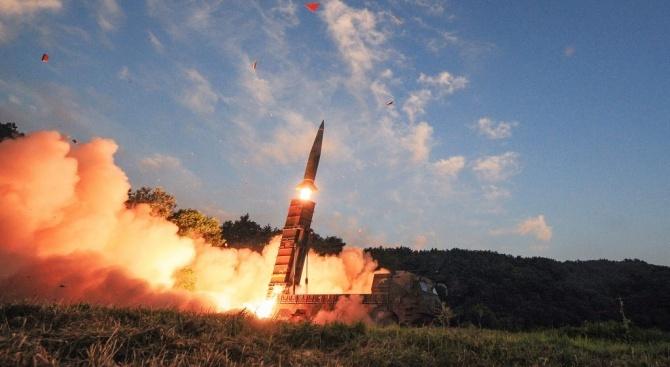Северна Корея изстреля тази сутрин две балистични ракети в посока