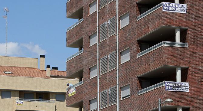 12-годишно момче е пострадало сериозно след падане от втория етаж