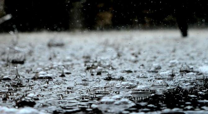 Гръмотевични бури и поройни дъждове наводниха гръцките острови Итака и Кефалония