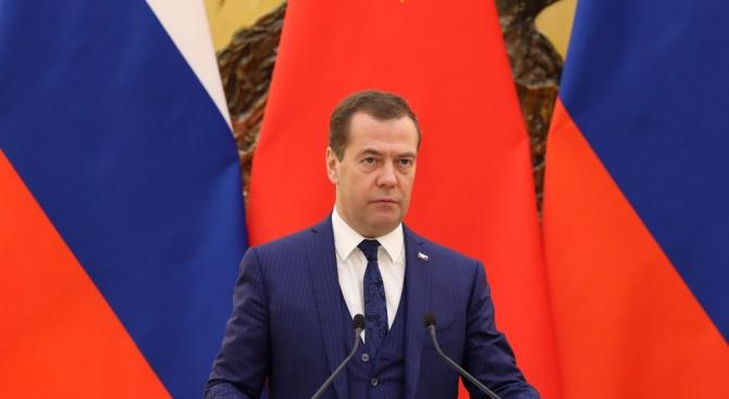 Медведев: САЩ дестабилизират политическите системи във всяка страна