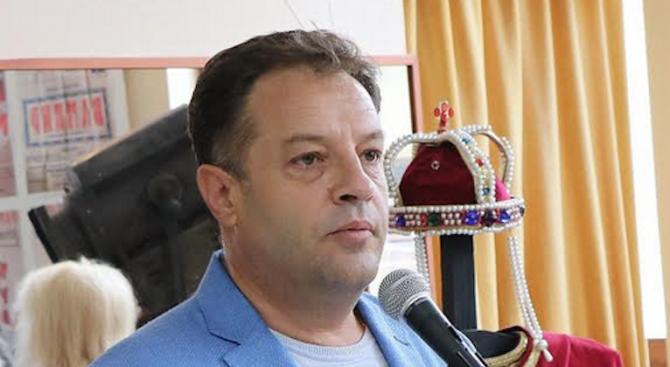 """Кандидат-кметът на Велико Търново Даниел Панов: Сцената на Читалище """"Надежда 1869"""" ще бъде възстановена"""