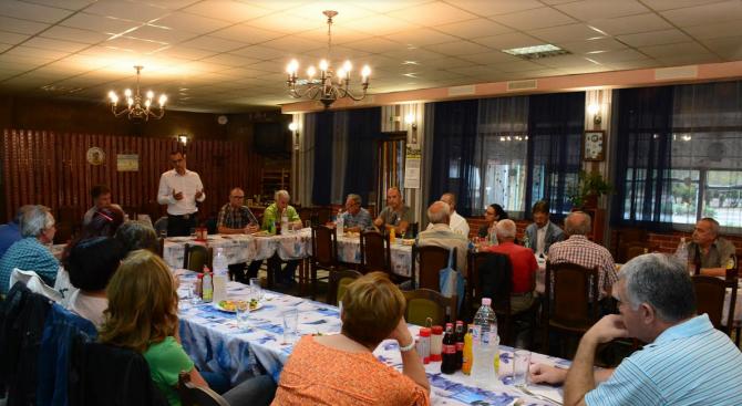 """Кандидатът за кмет на Чирпан се срещна с членове на туристическо дружество """"Средногорец"""""""