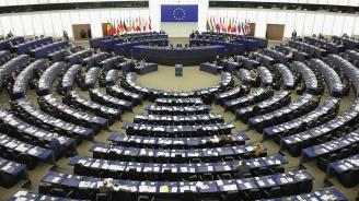 Правната комисия в ЕП потвърди решението си да не допуска до изслушвания двама кандидати за еврокомисари