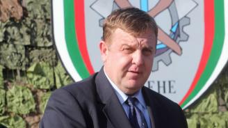 """Министърът на отбраната Красимир Каракачанов ще присъства на кампанията """"Бъди войник"""" в Габрово"""