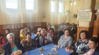 Кандидатът за кмет на Велинград от ГЕРБ д-р Костадин Коев посети пенсионерските клубове в града по повод Международния ден на възрастните хора