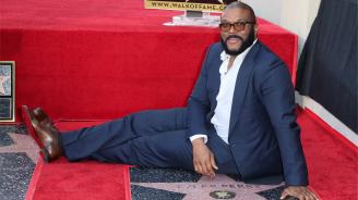 Тайлър Пери получи звезда на холивудската Алея на славата