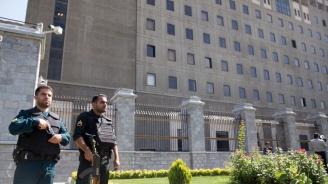 Иран освободи двама задържани австралийци