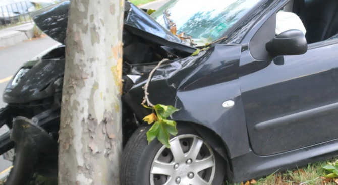 Пиян шофьор самокатастрофира в гр. Лом