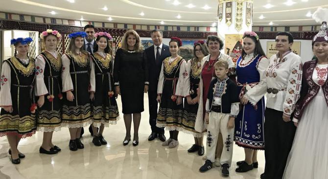 Илияна Йотова разговаря с ръководството на Асамблеята на народа на Казахстан