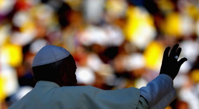 Снимка: Папа Франциск призова за