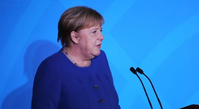 Германският канцлер Ангела Меркел обеща днес в град Зинсхайм, Югозападна