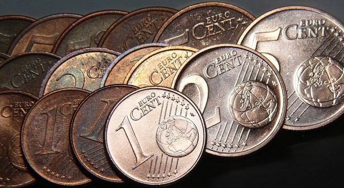 Еврото се задържа над прага от 1,09 за долар