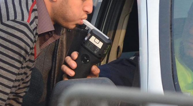 Хванаха пиян шофьор край брезнишко село