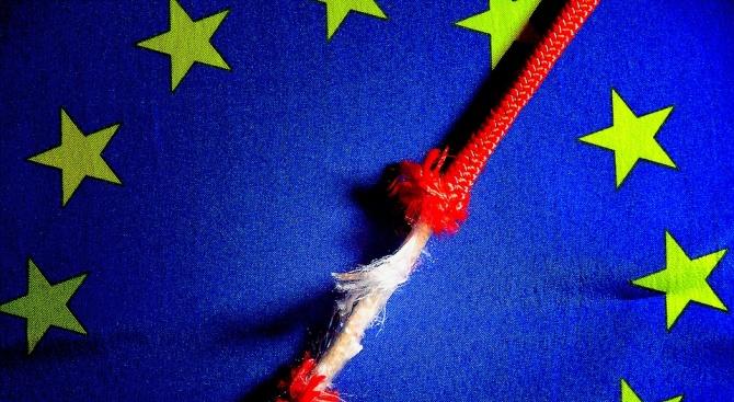 Европейската комисия отхвърли днес твърденията, че преговорите за оттеглянето на