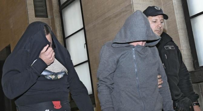 """Двамата задържани за банковия обир в """"Люлин"""" остават в ареста"""