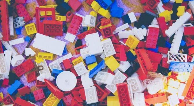 """От """"Лего"""" ще рециклират старите тухлички и ще ги пращат на нови деца"""